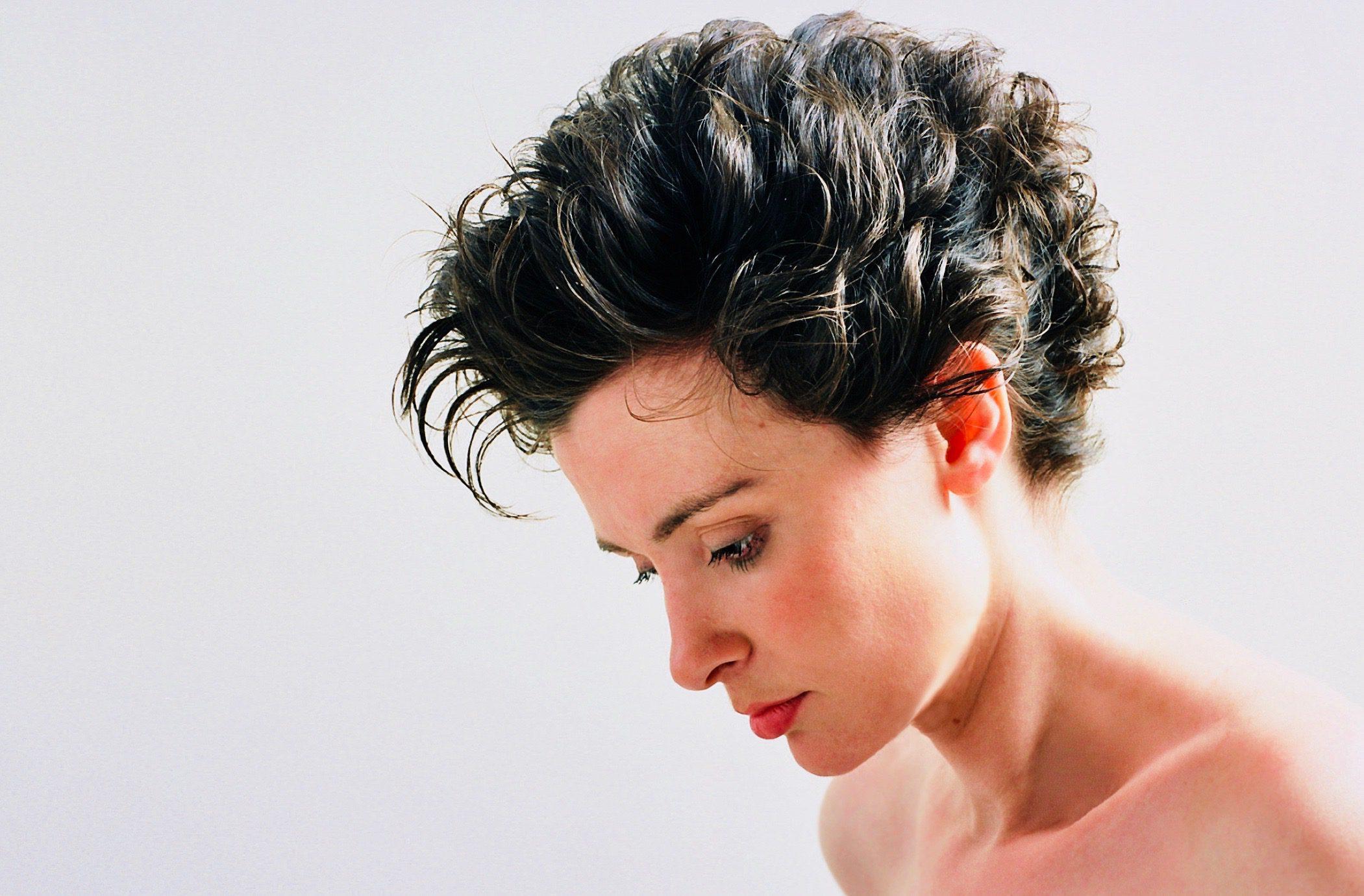 Good Habits for Healthy, Shiny Hair
